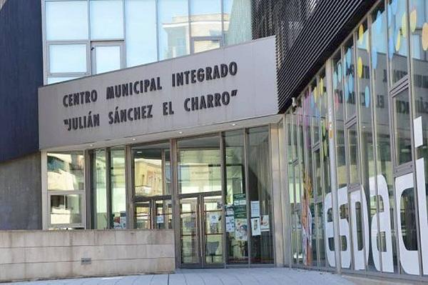 """Centro Municipal Integrado """"Julián Sánchez El Charro"""", Calle Alfonso de Castro, 34, Salamanca"""